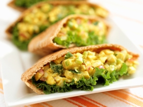 egg-wholemeal-pitta-healthy-breakfast-13102011