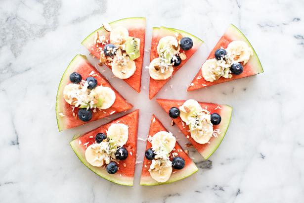 3-watermelon-fruit-nut-pizza